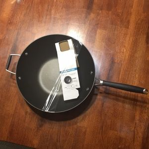 Calphalon non-stick stir fry pan